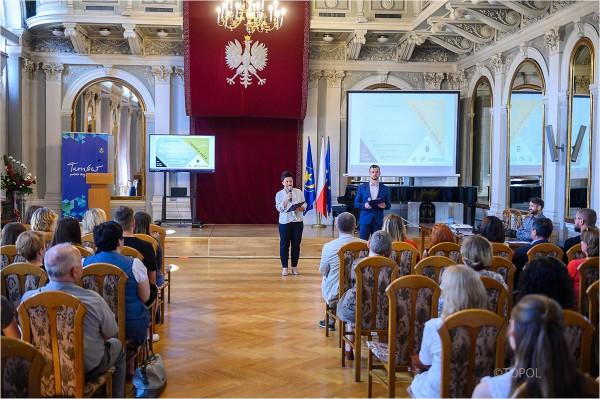 "Konferencja podsumowująca projekt ""Verbi valor-wartość słowa"""